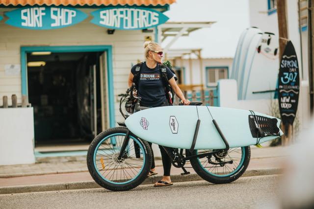 Surfbrädan på cykeln
