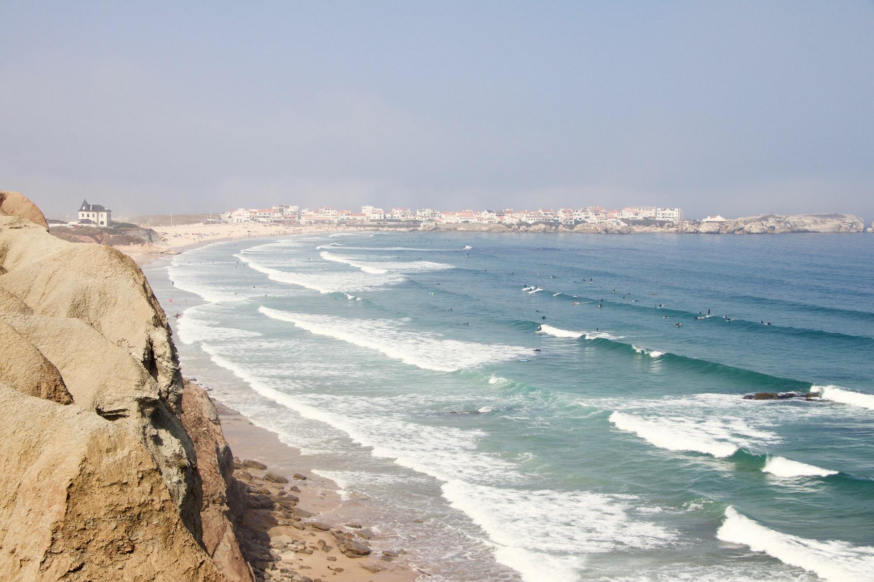 Baleal, Portugal klippor och vågor